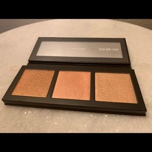 MAC Hyper Real Glow highlighter palette